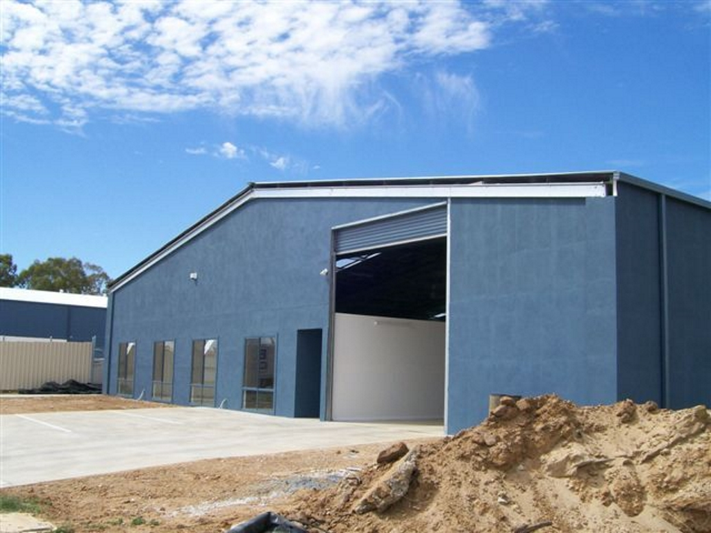 Steel framed commercial building suitable for industrial and retail parks